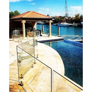 framelss glass pool fence